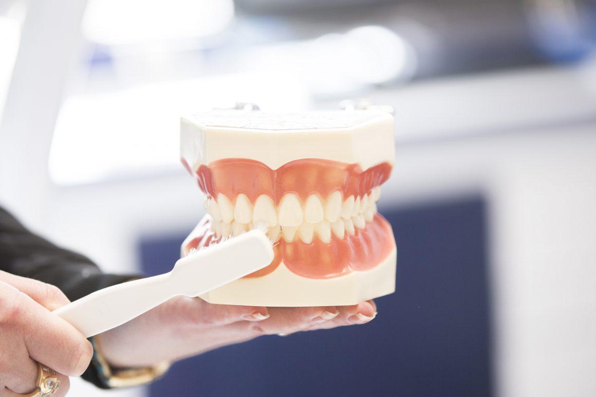 Zahnfleischbehandlung